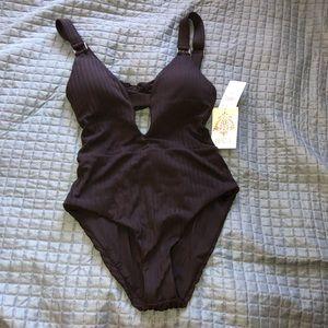 BECCA Swim - Becca Loeto swimsuit 😎